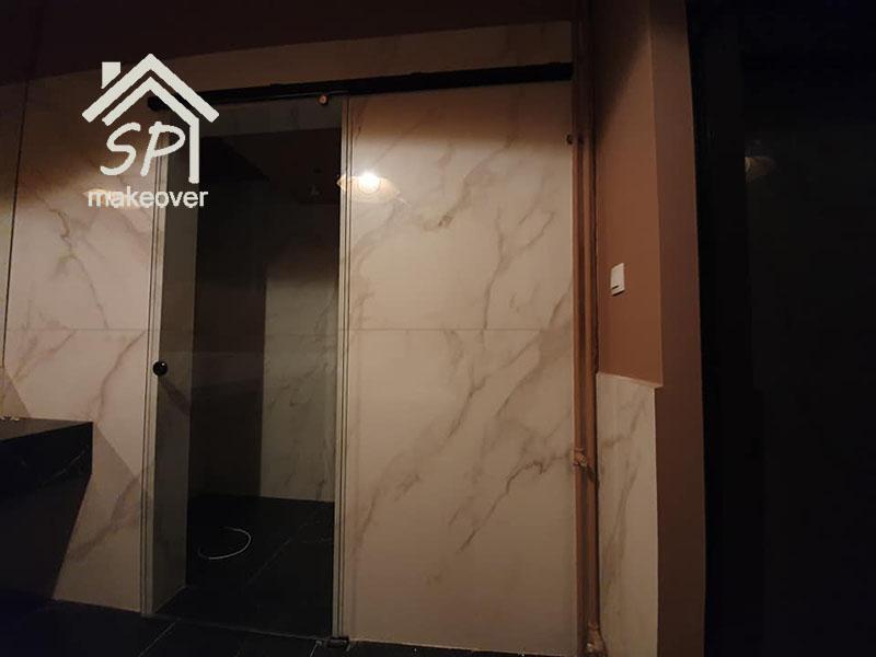 Υάλινη Πόρτα